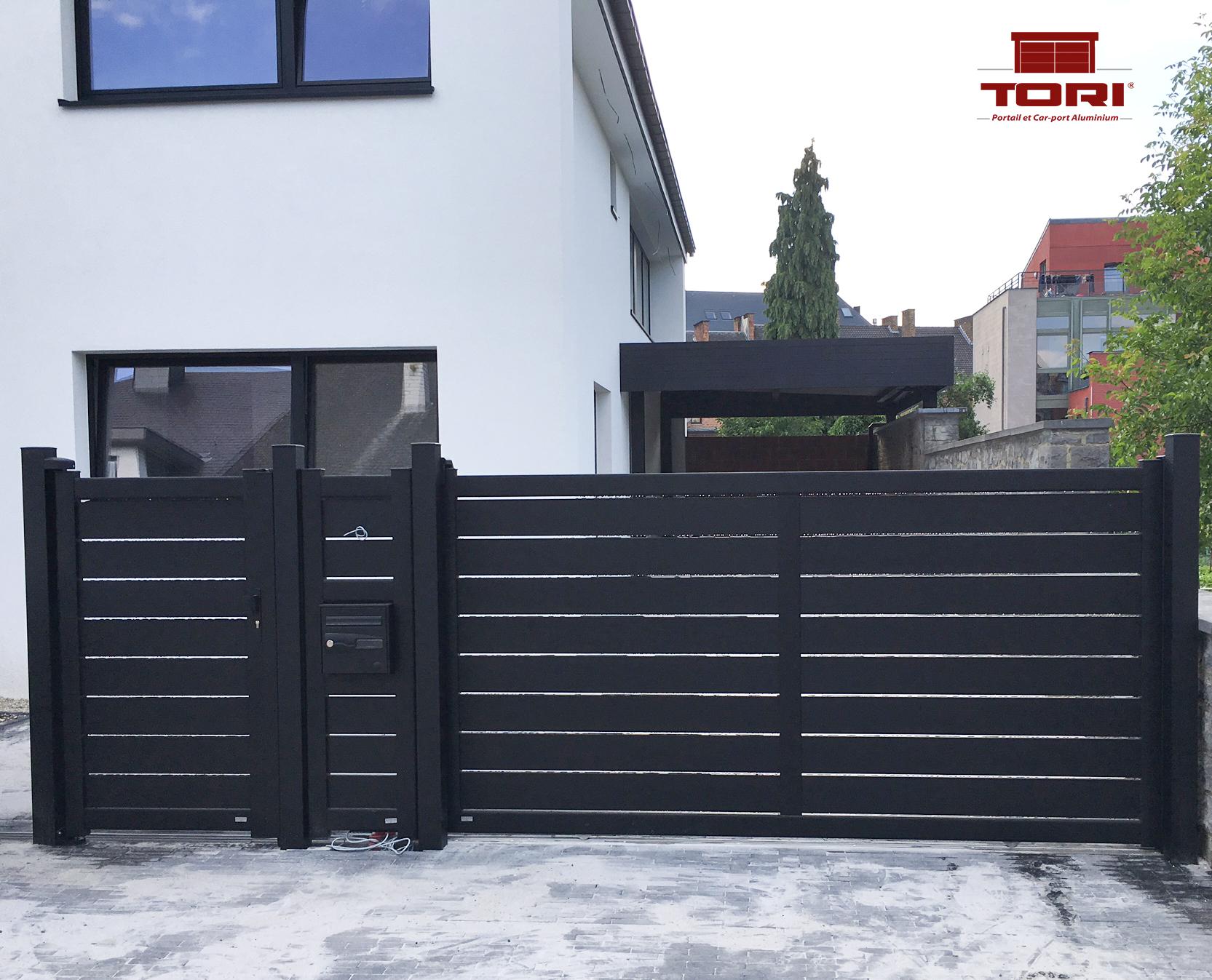 portail alu coulissant pas cher stunning portail aluminium coulissant ajour lame horizontale. Black Bedroom Furniture Sets. Home Design Ideas