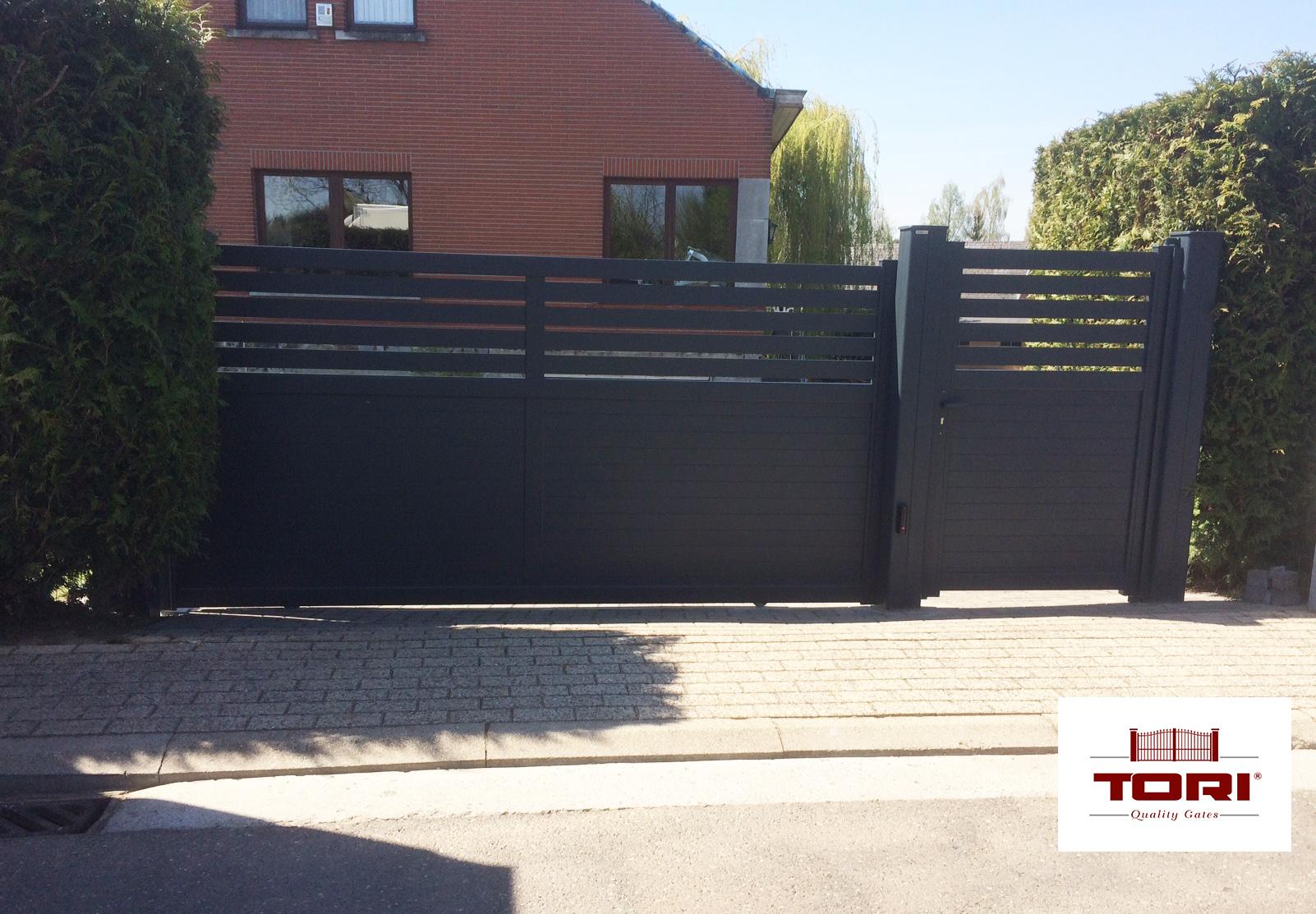 portails aluminium coulissant disglaou tori portails. Black Bedroom Furniture Sets. Home Design Ideas
