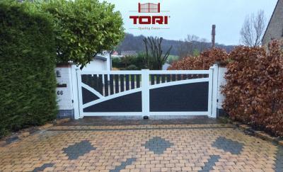 Portail moderne tori portails for Poteaux de rugby pour jardin